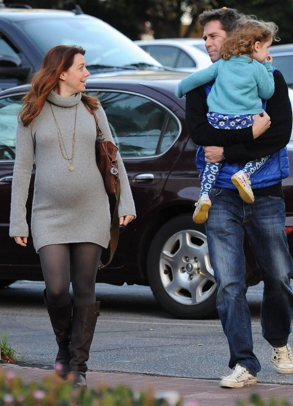 Alyson Hannigan and family - Showing Baby Bump in Santa Monica - 13th February, 2012