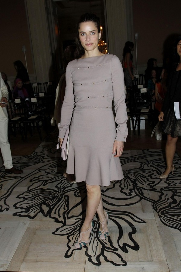 Amanda Peet at Valentino Fashion Show - PFW - July 06, 2011