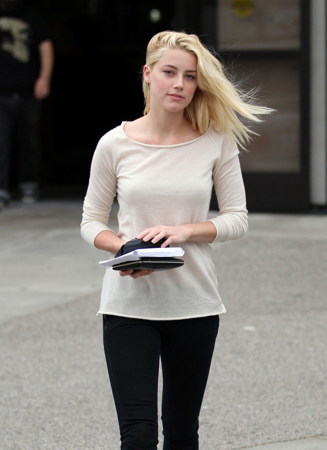Amber Heard Goes Shopping with a Friend in LA 22nd April 976c017104168