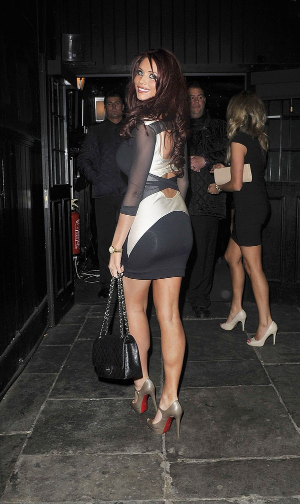 Amy Childs Arriving at Sugar Hut Nightclub in Essex - 27 April 2012