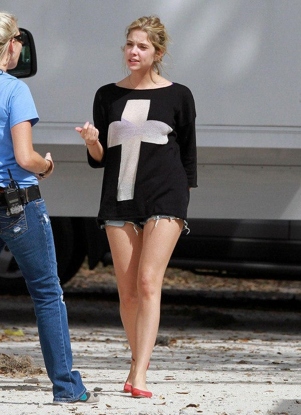 Ashley Benson - On the Sets of Spring Breakers in Florida - 8th March, 2012