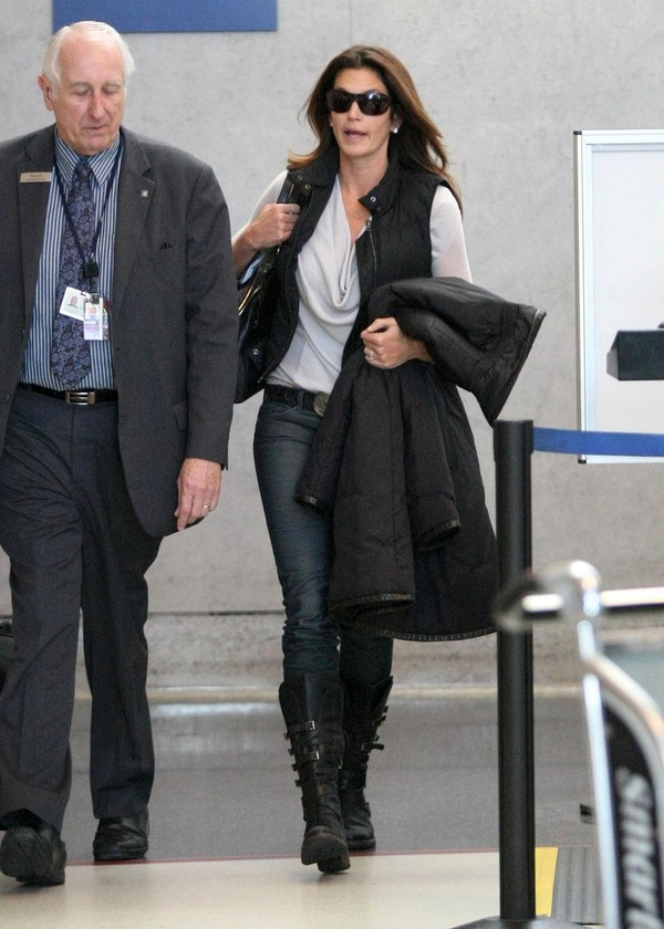 Cindy Crawford arrives at LAX Airport - 26 Jan 2012
