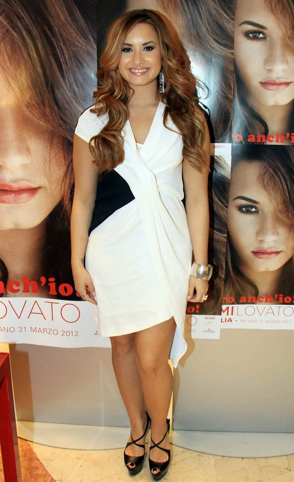Demi Lovato Looks Amazing At An Album Signing Milan, Italy - 31st March, 2012