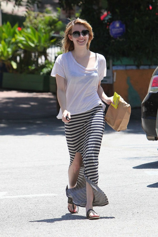 Emma Roberts - Out & About in LA - 9th May, 2012