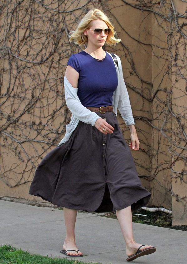 January Jones - Out and About in Los Angeles - 5th March, 2012
