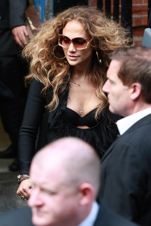 Jennifer Lopez, Leaving her Hotel in London
