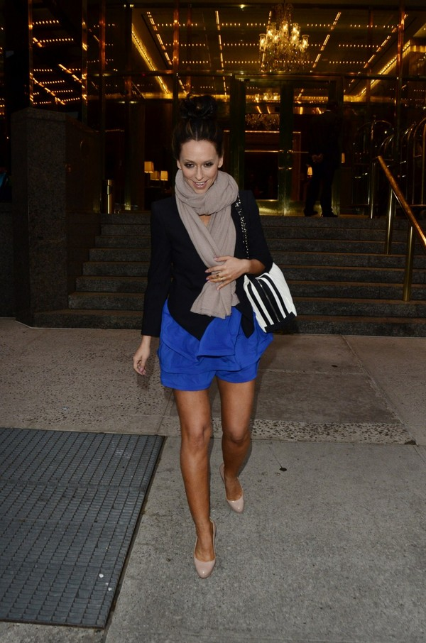 Jennifer Love Hewitt - Out & About in New York - 7th May, 2012