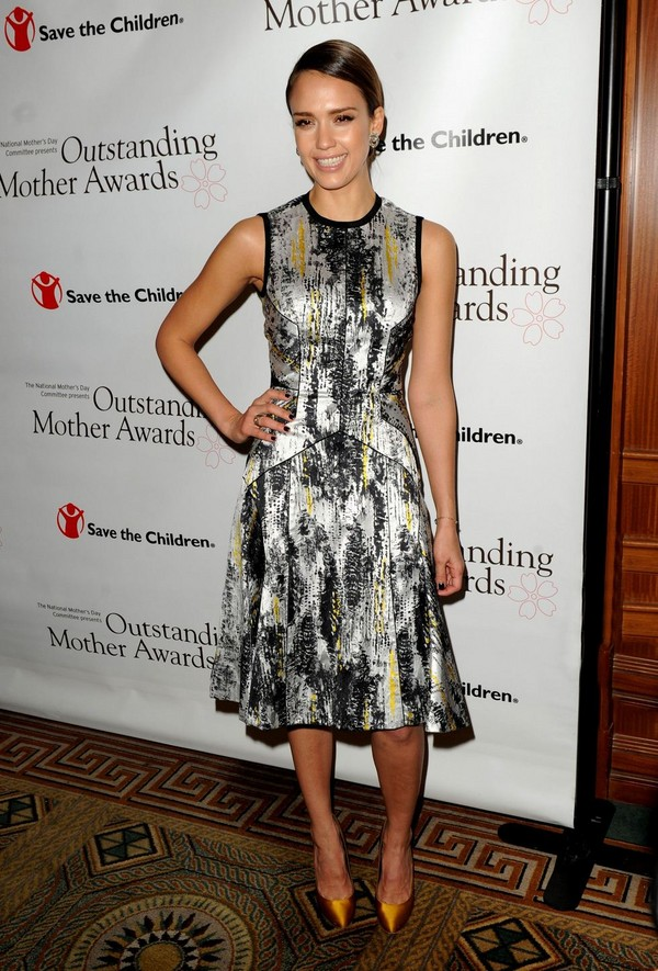 Jessica Alba - 2012 Outstanding Mother Awards in New York - 10th May, 2012