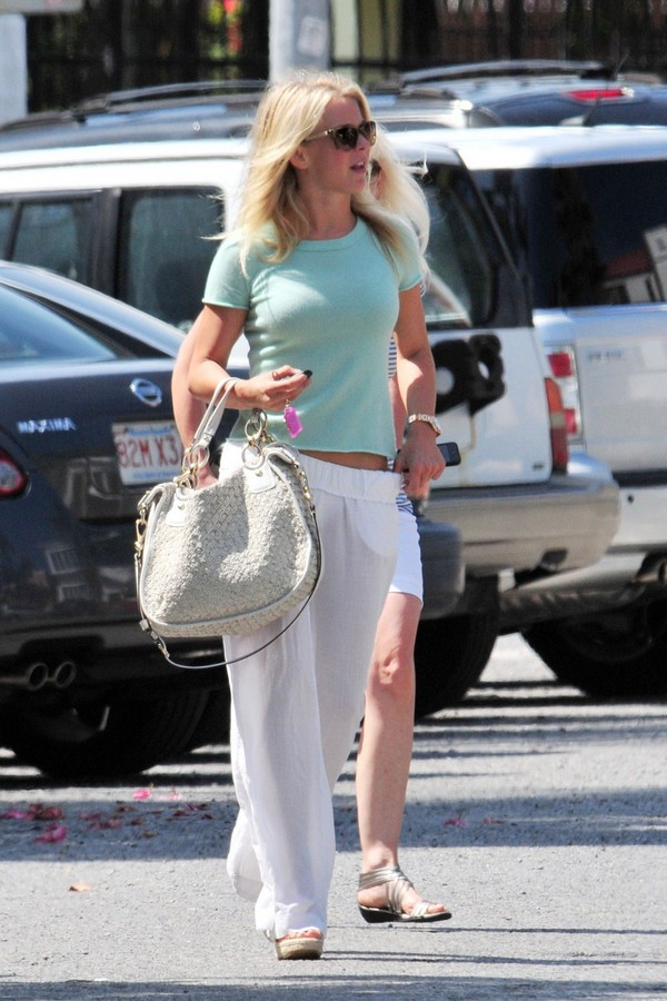Julianne Hough out for a walk with her mom in Miami - July 09, 2011