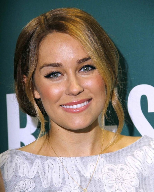 Lauren Conrad - The Fame Game book signing at Barnes & Noble in NY - 3rd April, 2012
