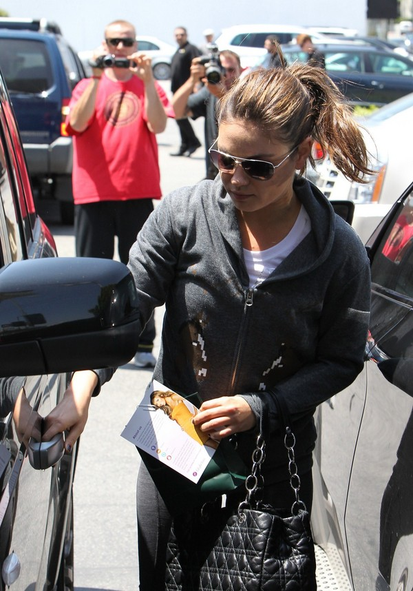 Mila Kunis Out & About in Beverly Hills - 27th April, 2012