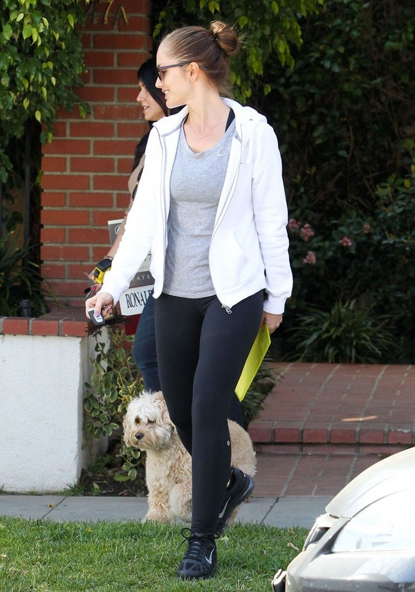 Minka Kelly at a rental property in Beverly Hills - 12th March, 2012