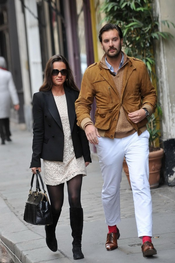 Pippa Middleton Out & About at Paris