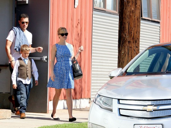 Reese Witherspoon Out with Her Family - 4th March, 2012