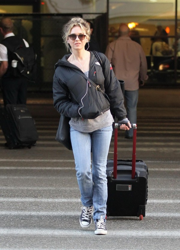 Renee Zellweger - LAX airport, LA - 26th March, 2012
