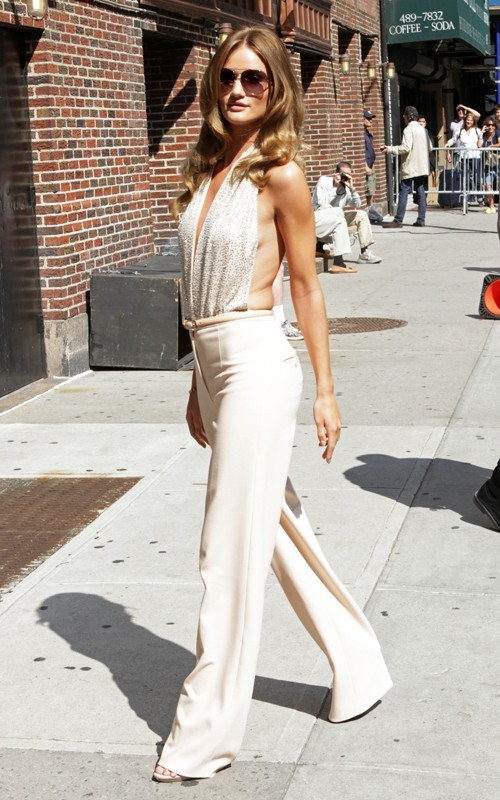 Rosie Huntington Whiteley headed to Ed Sullivan Theater in New York