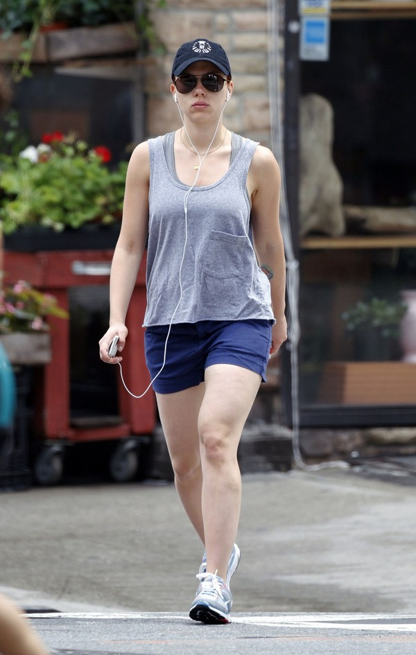 Scarlett Johansson going to the gym in NYC - July 06, 2011