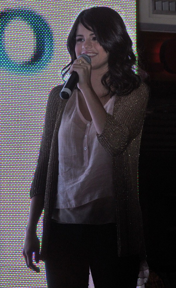 Selena Gomez Performing at King of Prussia Mall, Pennsylvania
