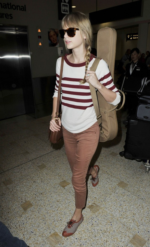 Taylor Swift, arriving at Sydney Airport - 29th February, 2012