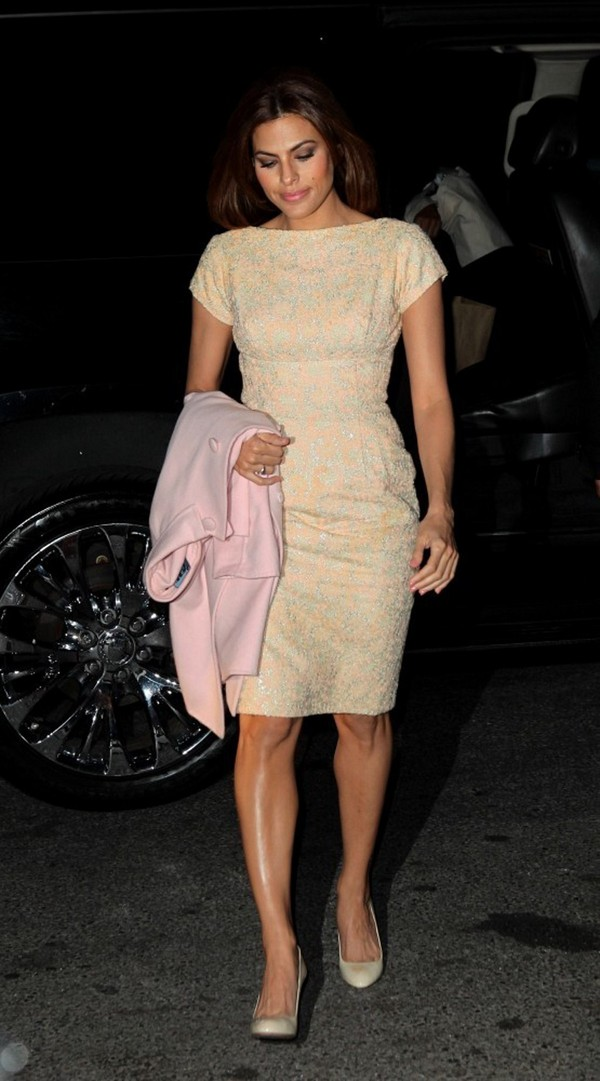 Eva Mendes arriving at her hotel in New York on March 27, 2013