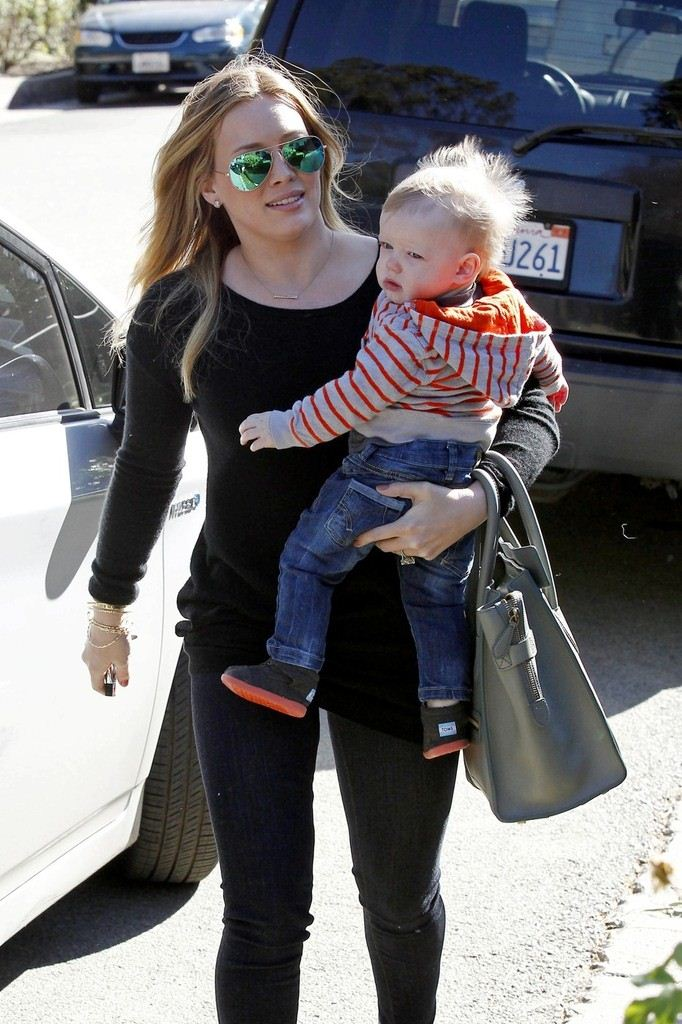Hilary Duff out and about in Los Angeles - Jan 11, 2013