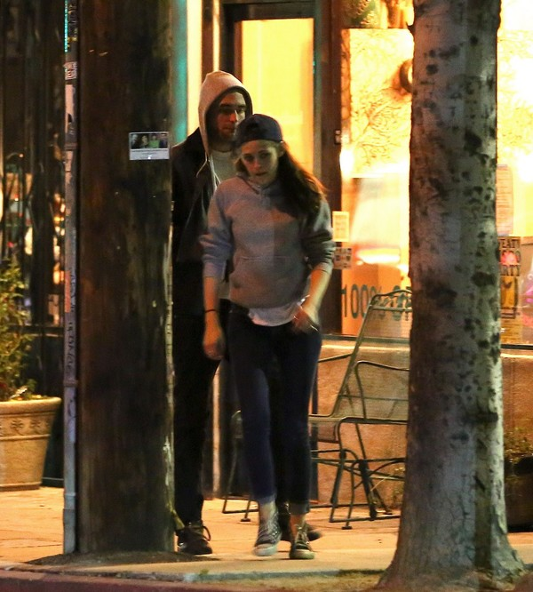 Kristen Stewart Night Out with Robert Pattinson in L.A. on March 22, 2013