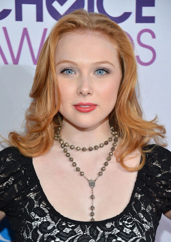 Molly Quinn at 39th Annual People's Choice Awards in LA