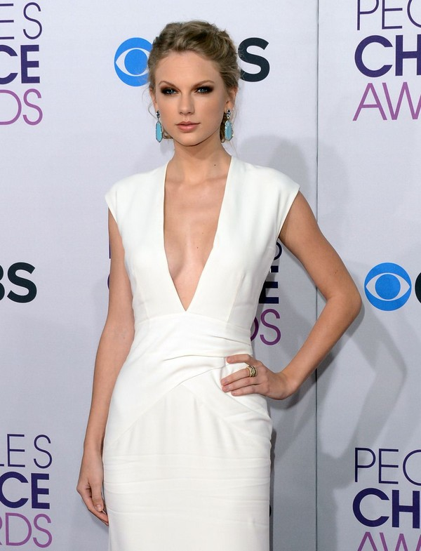 Taylor Swift at 39th Annual People's Choice Awards in LA