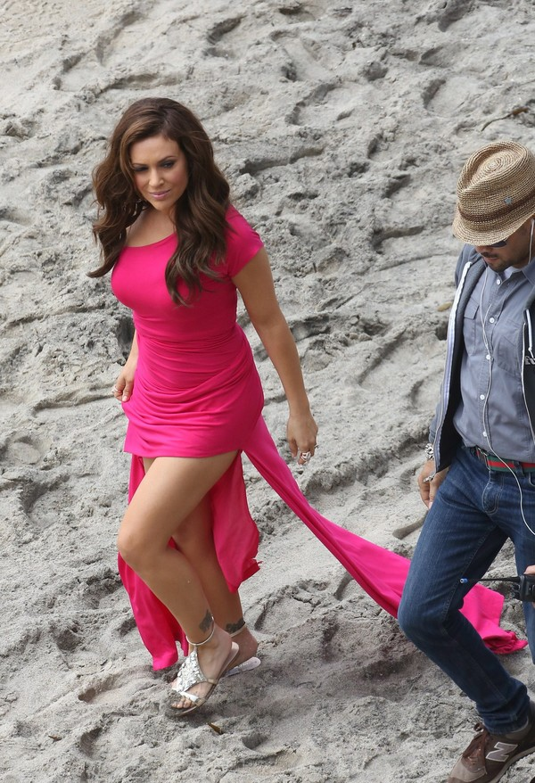 Alyssa Milano On the Sets of a film in Malibu on April 3, 2013