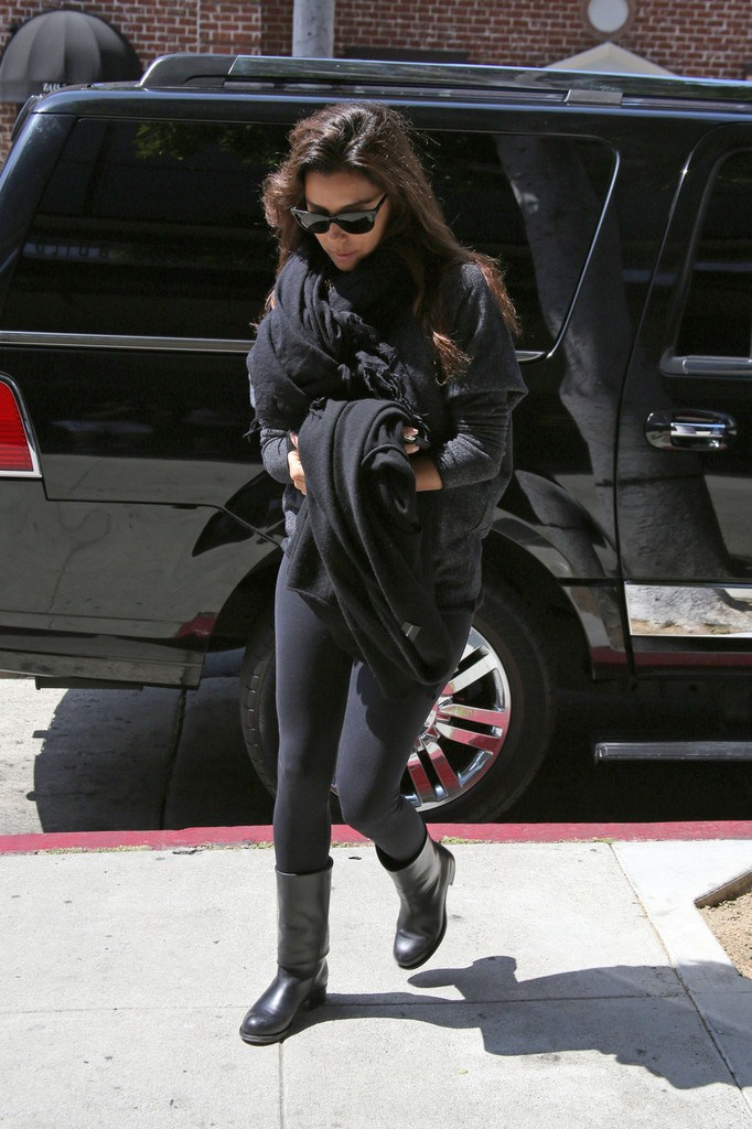 Eva Longoria out and about in L.A. on April 12, 2013