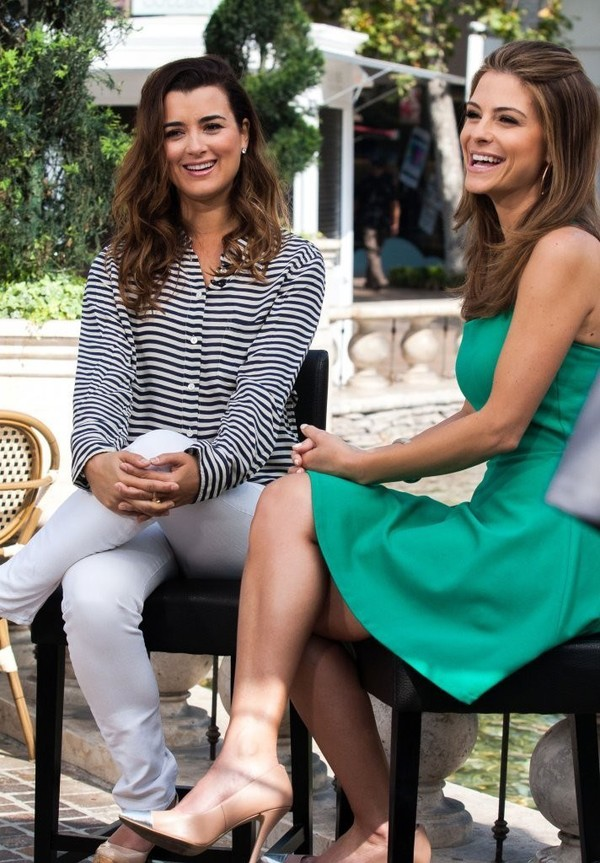 Maria Menounos On the Sets of 'Extra' in Los Angeles on April 23, 2013