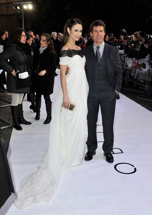 Olga Kurylenko & Tom Cruise attend the UK Premiere of 'Oblivion' in London on April 4, 2013