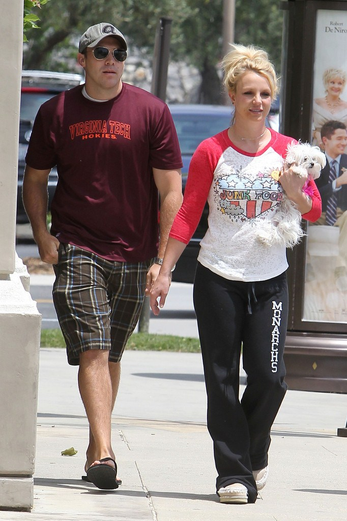 Britney Spears out for shopping in LA on May 16, 2013