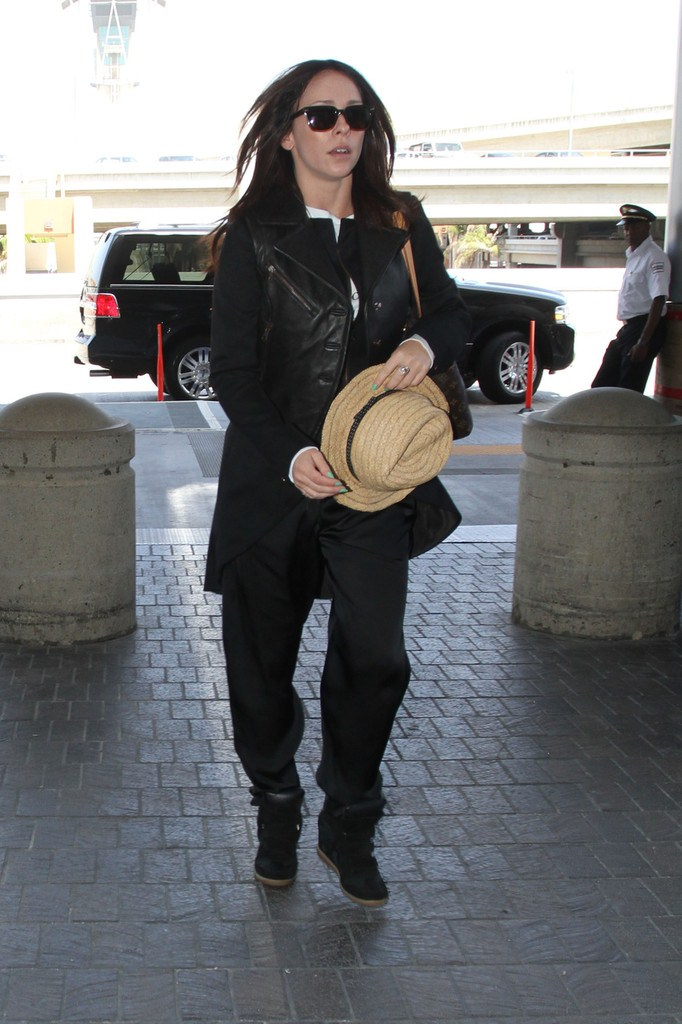 Jennifer Love Hewitt at LAX on May 24, 2013