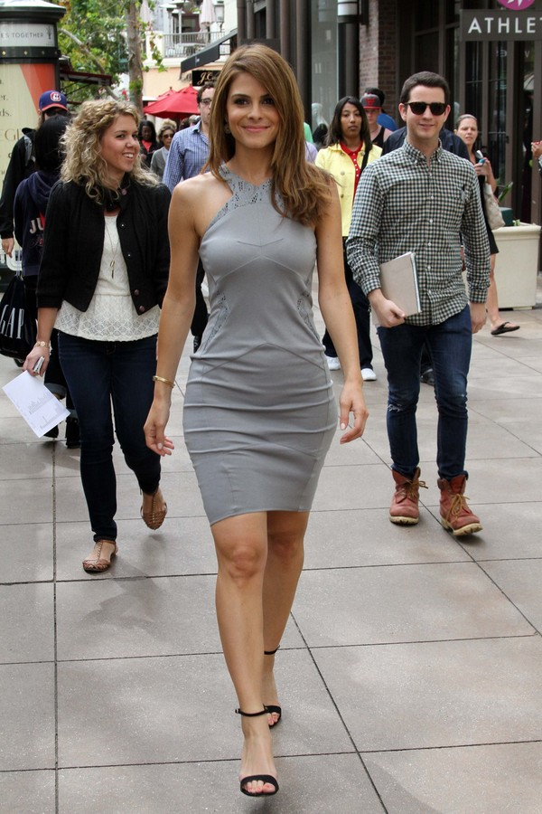 Maria Menounos On the Sets of 'Extra' in Los Angeles on May 8, 2013